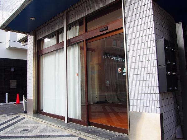 逗子池田通り商店街の路面店